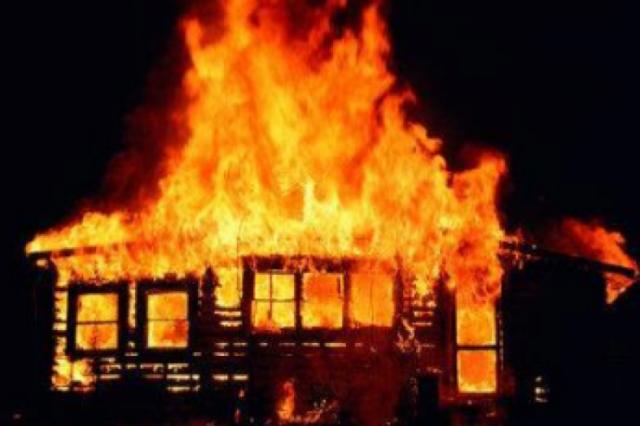 Впроцессе пожара вКамешковском районе погибли трое