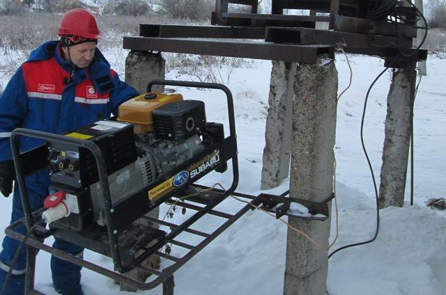 Из-за снегопада без света остались 16 деревушек воВладимирской области