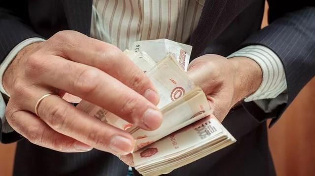 Предприниматель сбухгалтером незаконно обналичили 189 млн.